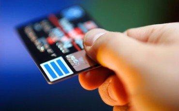 Carta di credito smarrita: rimborso anche con denuncia tardiva