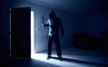 Che cosa rischio se sparo al ladro in casa o in negozio?