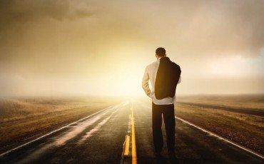 Su che lato della strada bisogna camminare?