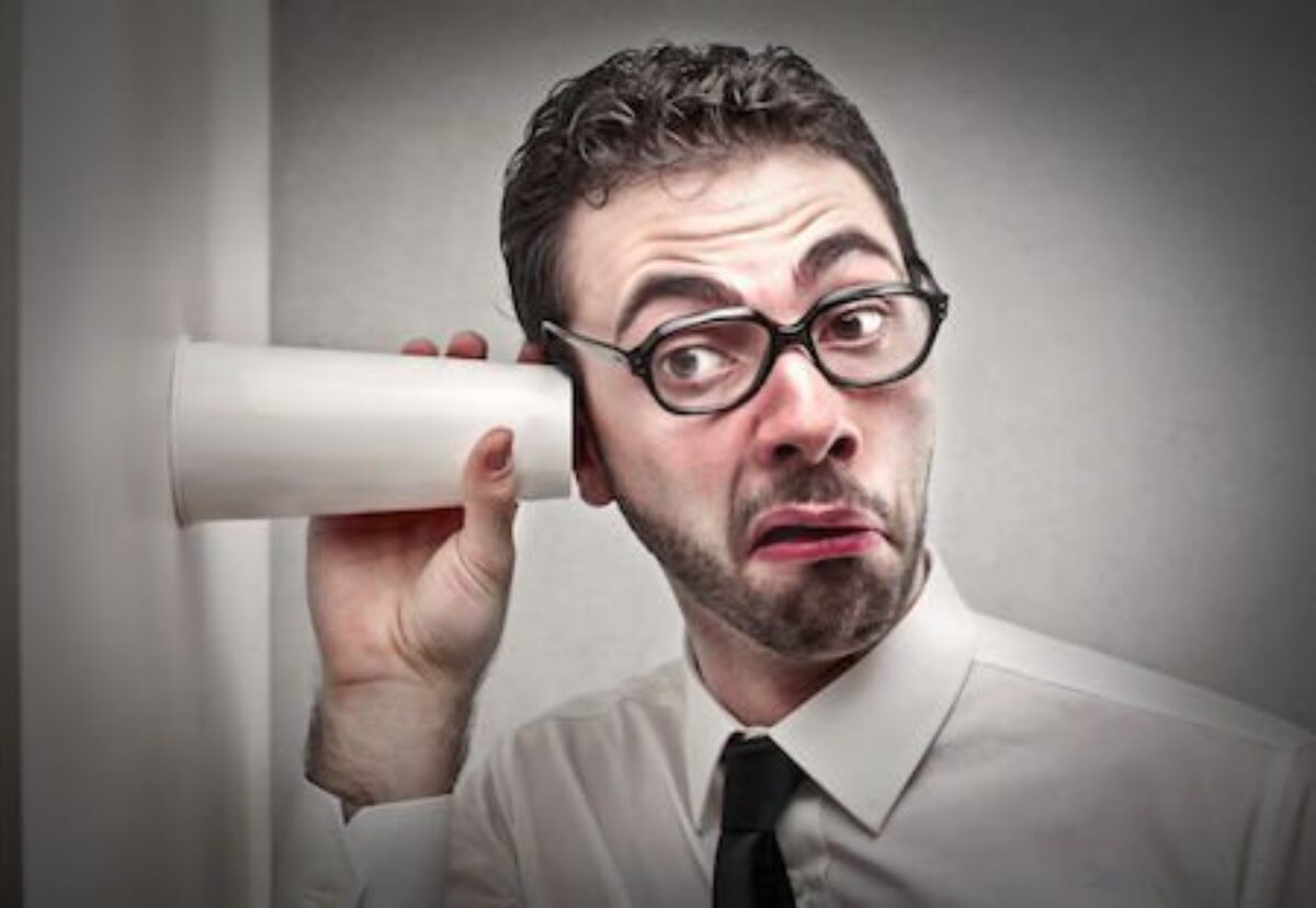 I Vicini Fanno Troppo Rumore rumori del vicino di condominio: come farlo smettere