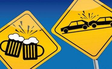 Guida in stato di ebbrezza e rifiuto alcoltest: il fatto è tenue