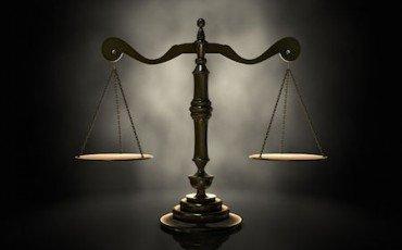 L'avvocato con una condanna penale viene cancellato dall'albo?