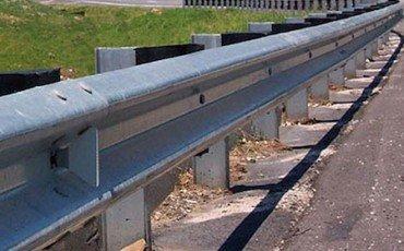 Incidenti: se manca il guard rail, conducente risarcito