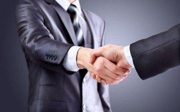 Diritto di prelazione fondi confinanti: conviene mediare?