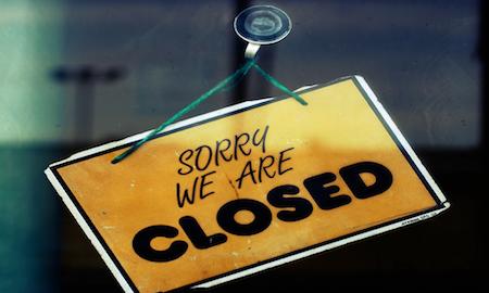 Orario di apertura e chiusura liberi per negozi, bar e locali,