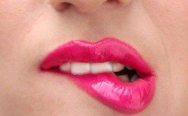 Tentare di baciare contro l'altrui volontà è reato?