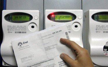 Si può annullare il contratto di luce e acqua intestato al padrone di casa?