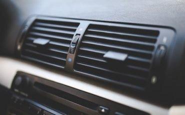 Multa se lasci acceso il motore per l'aria condizionata