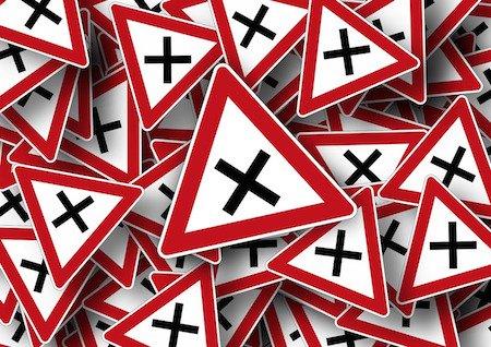 Il Comune è responsabile se non mette i cartelli stradali