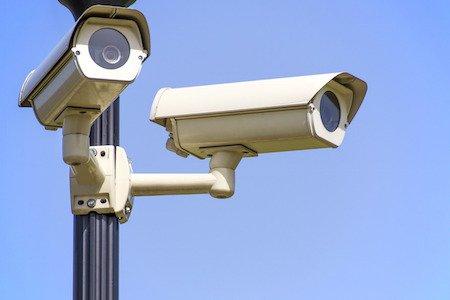 Sorpassometro: la multa se sorpassi dove è vietato