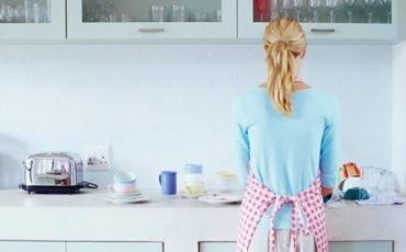 Mantenimento alla donna che decide di dedicarsi alla casa