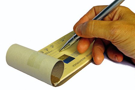 Assegno: la banca può rifiutare il pagamento se non ho un conto?