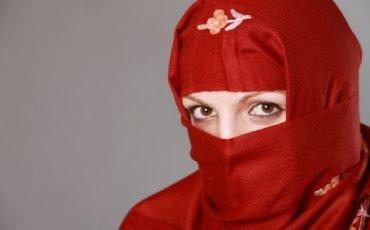 Il velo islamico sul luogo di lavoro è un diritto di tutte le donne
