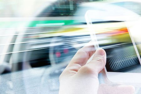 Arriva l'app che controlla lo stile di guida e riduce l'assicurazione