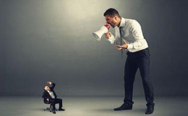 Se il datore di lavoro sgrida il dipendente può essere denunciato?