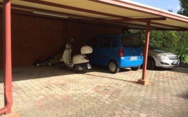 Gazebo per l'ombra all'auto: abusivo se con materiali pesanti