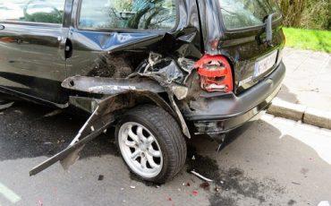 Risarcimento danni all'auto: niente Iva senza fattura