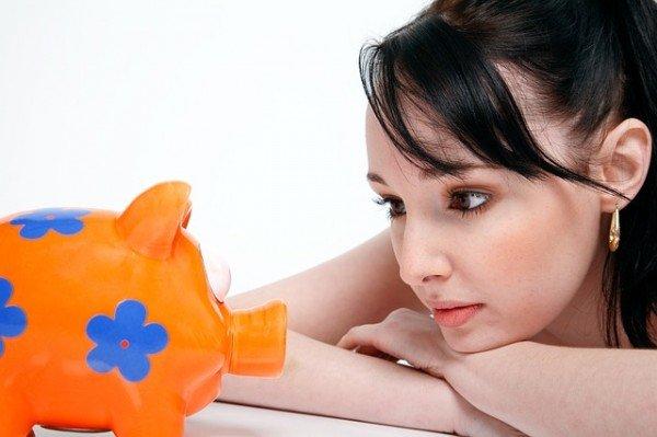 Assegno divorzile: si perde se il coniuge convive