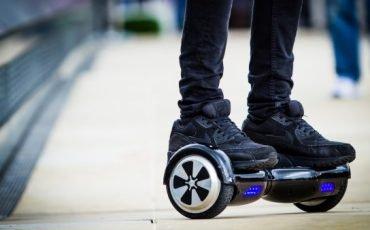 Si può usare l'hoverboard sulle strade?