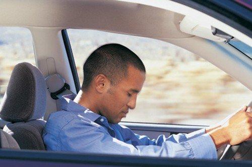 Incidente per colpo di sonno, risarcimento per il passeggero