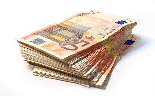 La legge di approvazione del bilancio dello Stato (art. 81 Cost.)