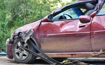 Incidenti: la moglie del conducente va risarcita?