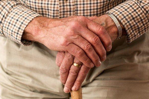 Se muore un genitore e non lo comunico all'Inps che rischio?
