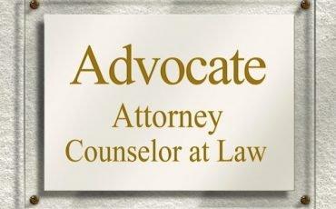 Spese avvocato: vanno anticipate o pagate a fine causa?