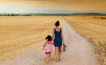 Il genitore sociale ha diritto a tenere rapporti col minore