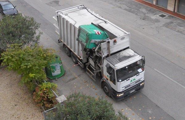 Tari e rifiuti speciali: esenzioni e riduzioni