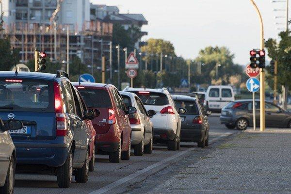 Troppi passeggeri in auto? Scatta la multa
