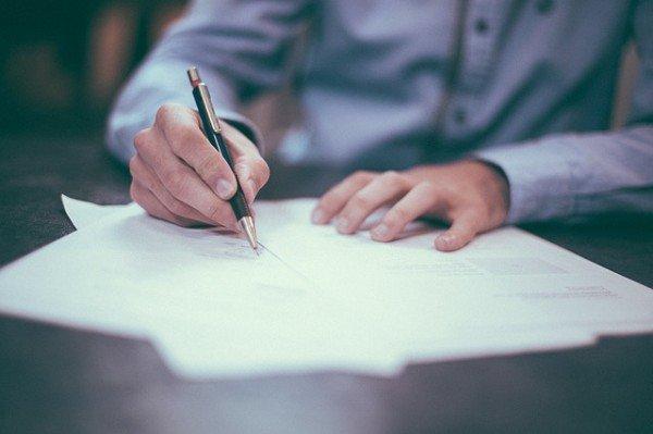 Che significa se sul contratto c'è scritto Vista e piaciuta?
