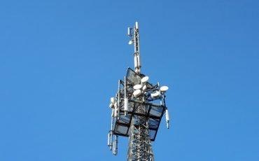Ci può essere un'antenna vicino a scuole o ospedali?