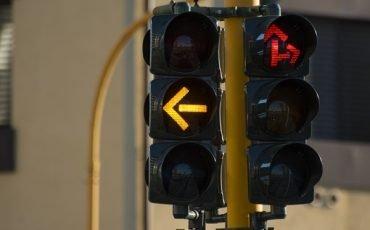 Multa al semaforo rosso, come fare ricorso