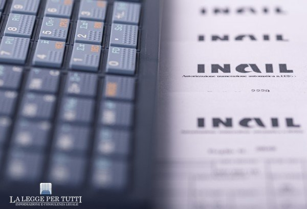 Che fare se il datore si appropria degli assegni familiari