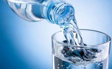L'acqua non minerale costa meno… Iva