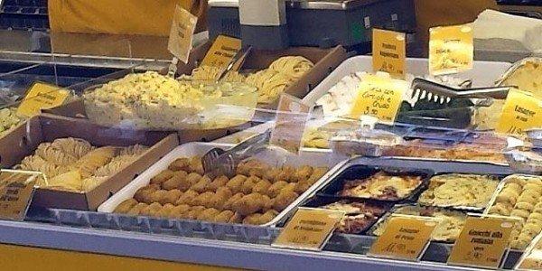 Chioschi e venditori ambulanti: cibo deteriorato, che fare?