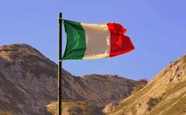 Il tricolore e la bandiera italiana: articolo 12 costituzione