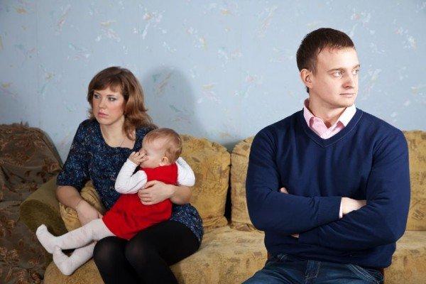 Figli: si può costringere un genitore a trasferirsi nella città dell'altro?