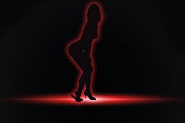 Anche la prostituta deve pagare le tasse