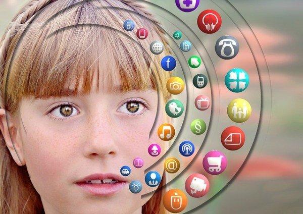 La scuola può vietare l'uso di cellulari e tablet?