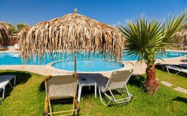 Vacanza rovinata: il tour operator deve offrire alternative
