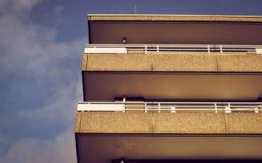 Balconi aggettanti condominio: come si dividono le spese