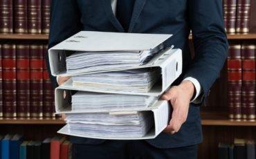 Se l'avvocato fa scadere i termini che posso fare?