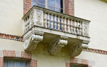 Se il vaso viene gettato dal balcone: la responsabilità