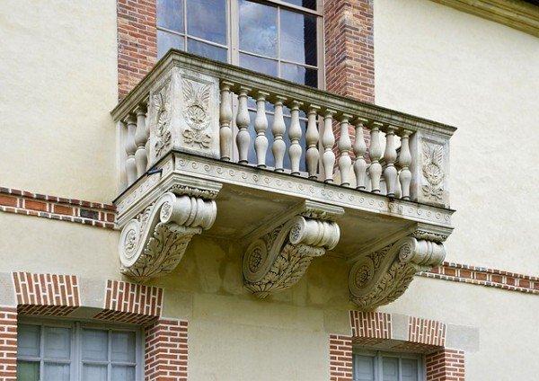 Rifacimento del balcone in condominio: chi paga?