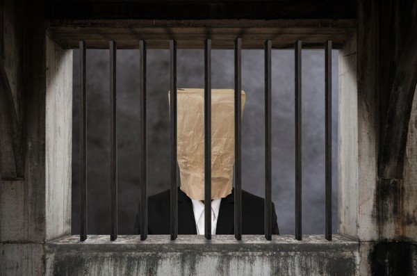 Cosa succede con una condanna penale?