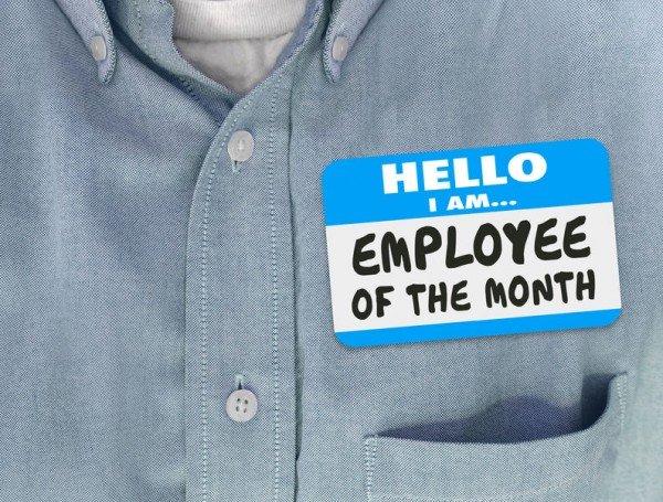 Che rischio se mi allontano dal lavoro senza timbrare il cartellino?