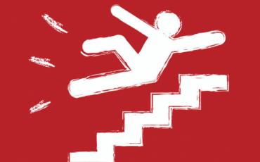 Caduta nella buca in condominio: l'amministratore è responsabile?