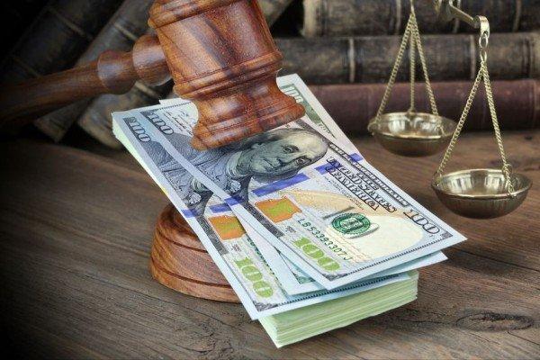 All'avvocato che si difende da sé niente Iva sulle spese processuali